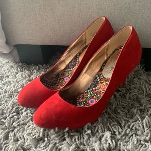 Madden Girl Red Suede Heels Size 8.5